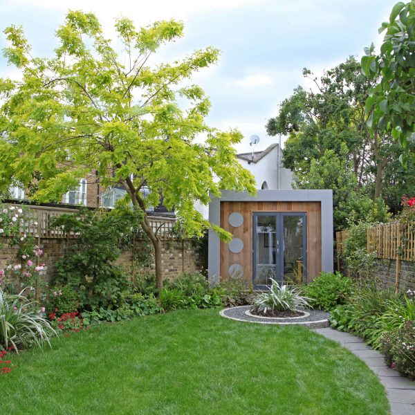 modern cottage garden in London
